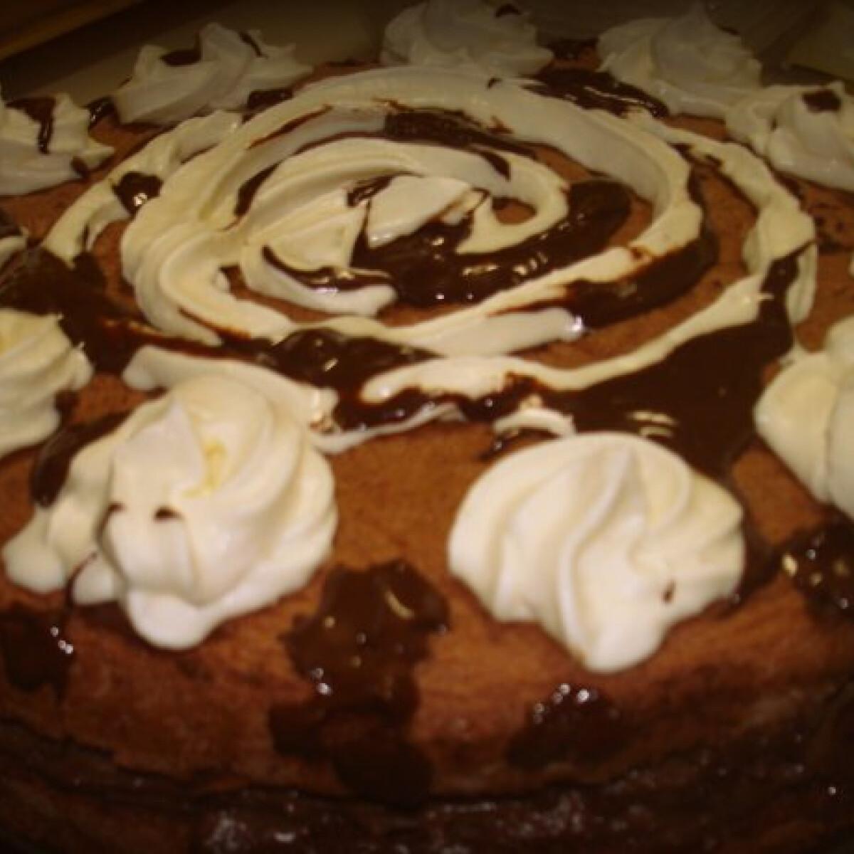 Ezen a képen: Tejcsokis torta Patrícia konyhájából