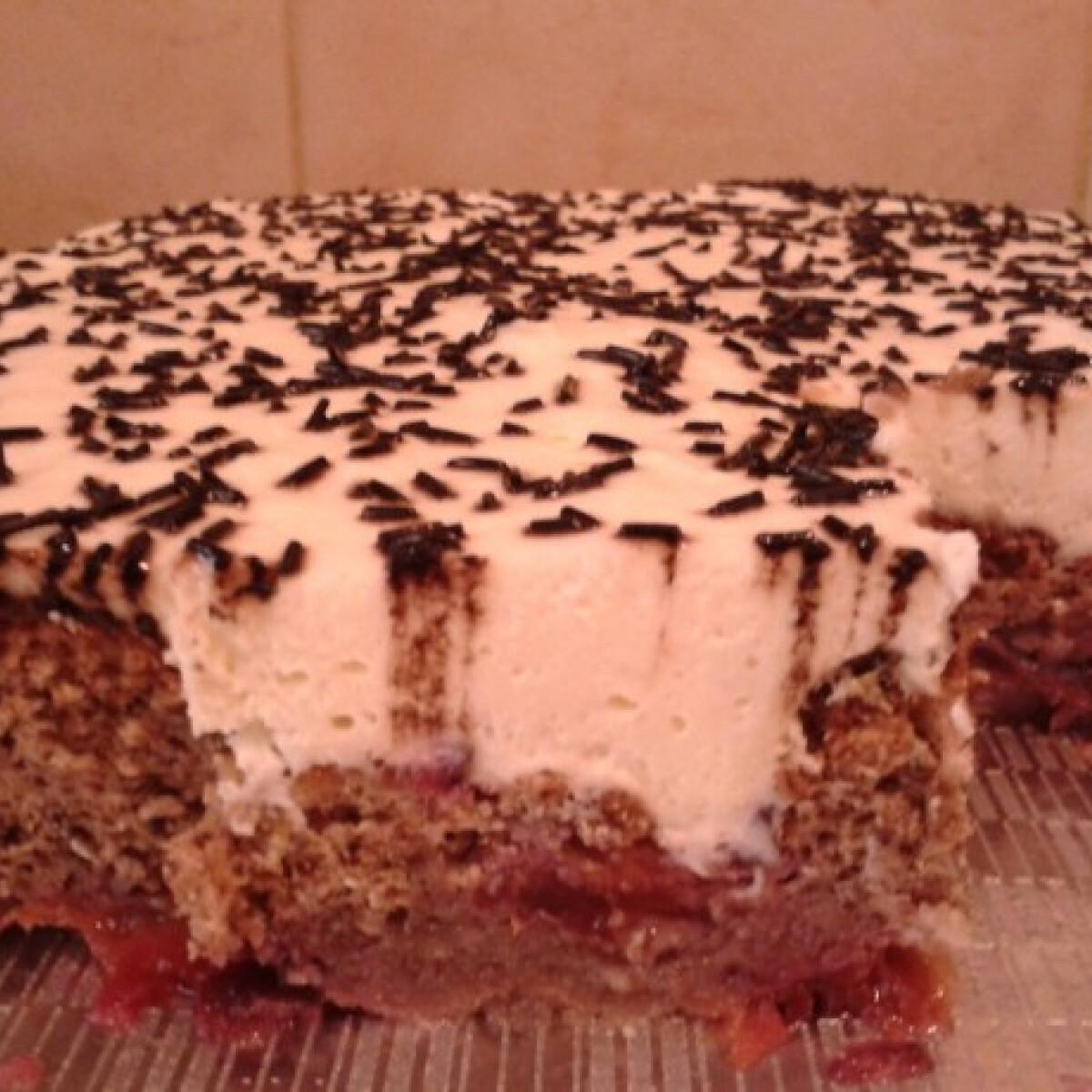 Ezen a képen: Ringlós piskóta tejszínes-vaníliás krémmel
