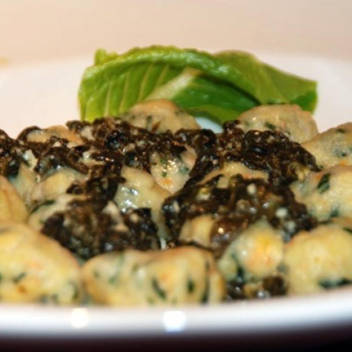 Ezen a képen: Krumplis-zöldséges gombóc