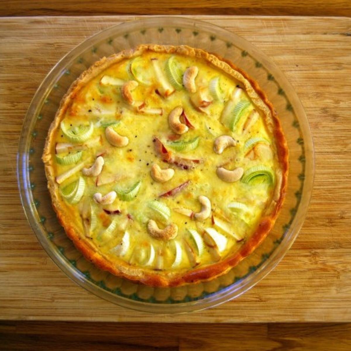 Almás-póréhagymás pite