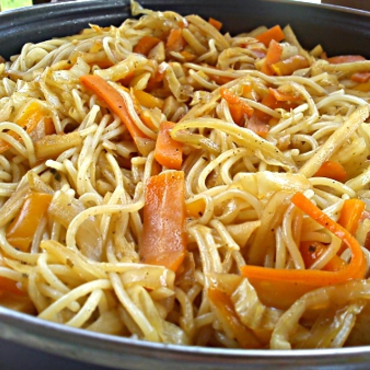 Ezen a képen: Zöldséges spagetti Miss Sweetly konyhájából