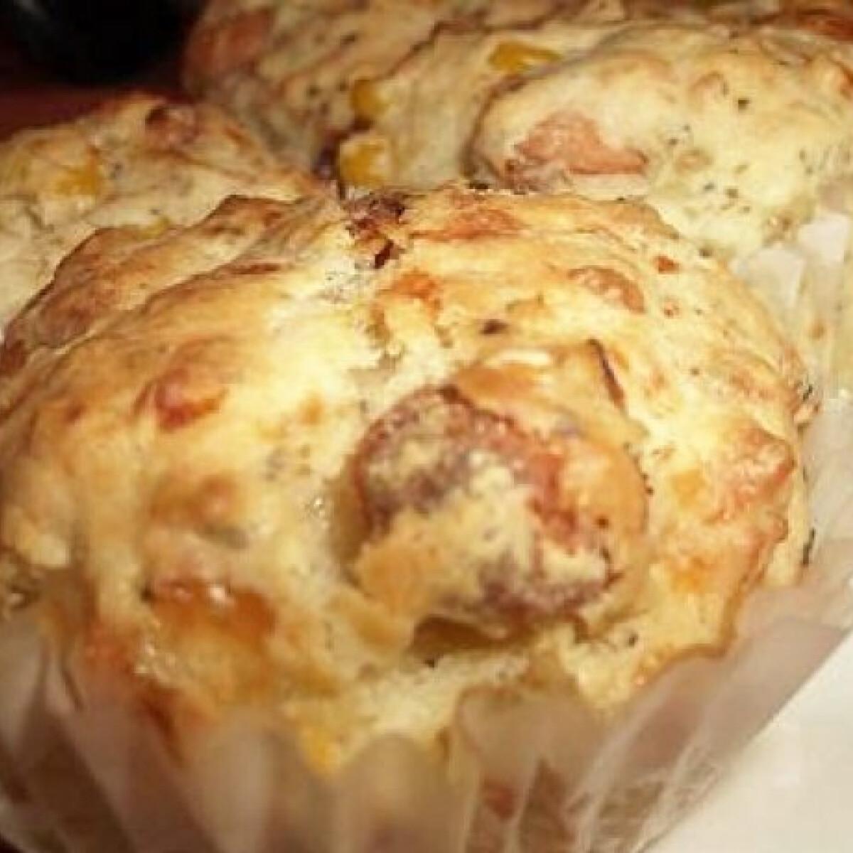 Ezen a képen: Virslis-kukoricás muffin