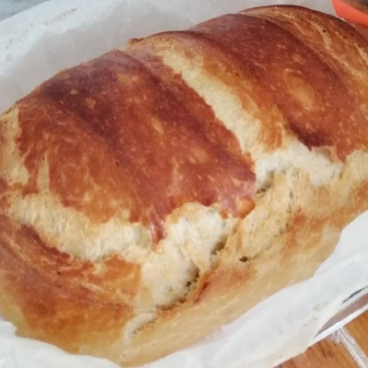 Ezen a képen: Házi kenyér sipos konyhájából