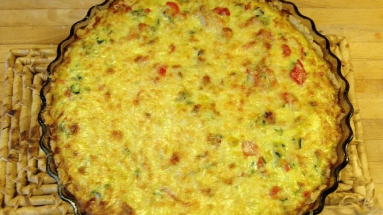 Kukoricás-csirkés quiche zöldségekkel