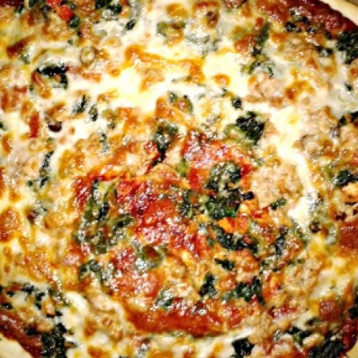 Ezen a képen: Spenótos-tonhalas pizza Gonoszkától