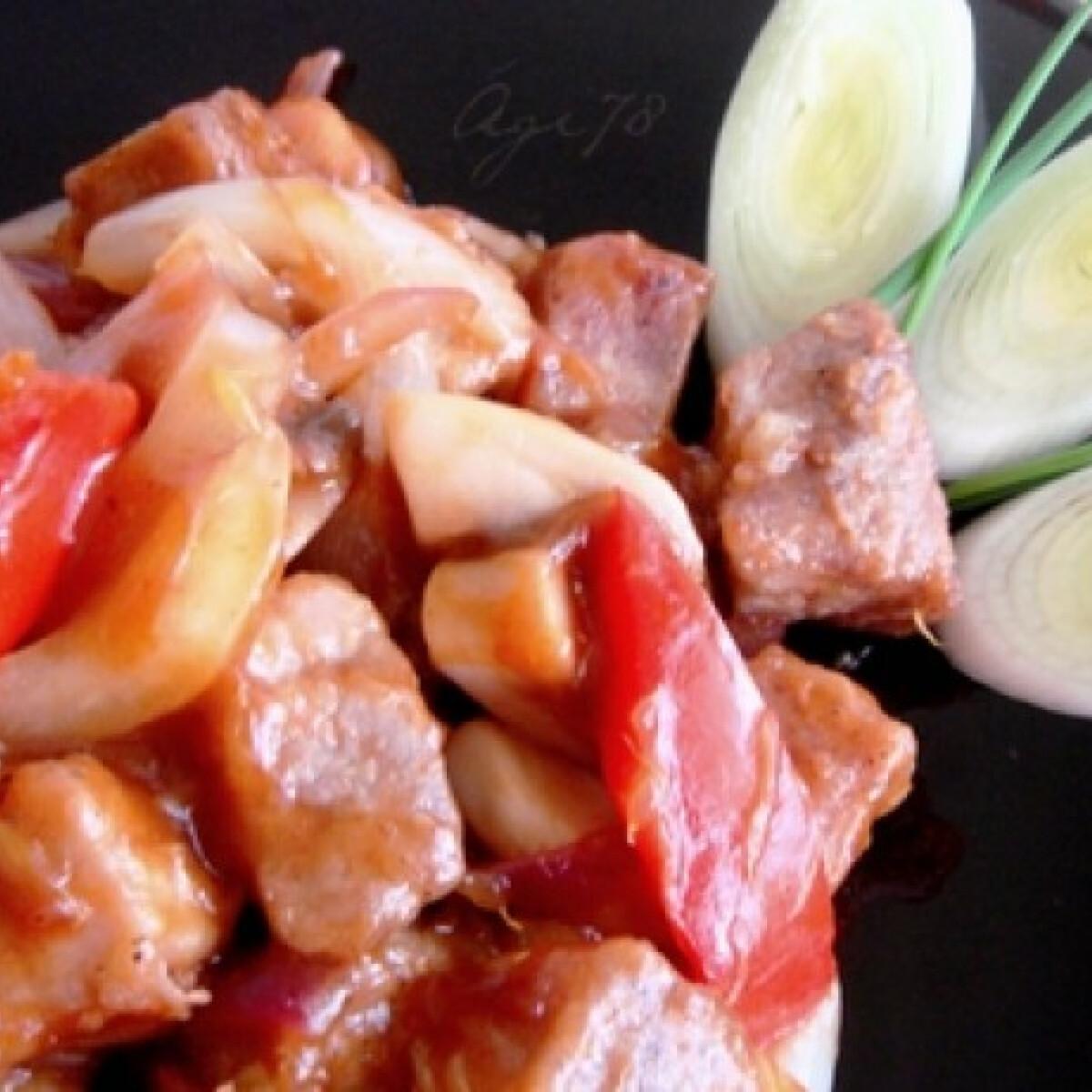 Ezen a képen: Kínai édes-savanyú sertés