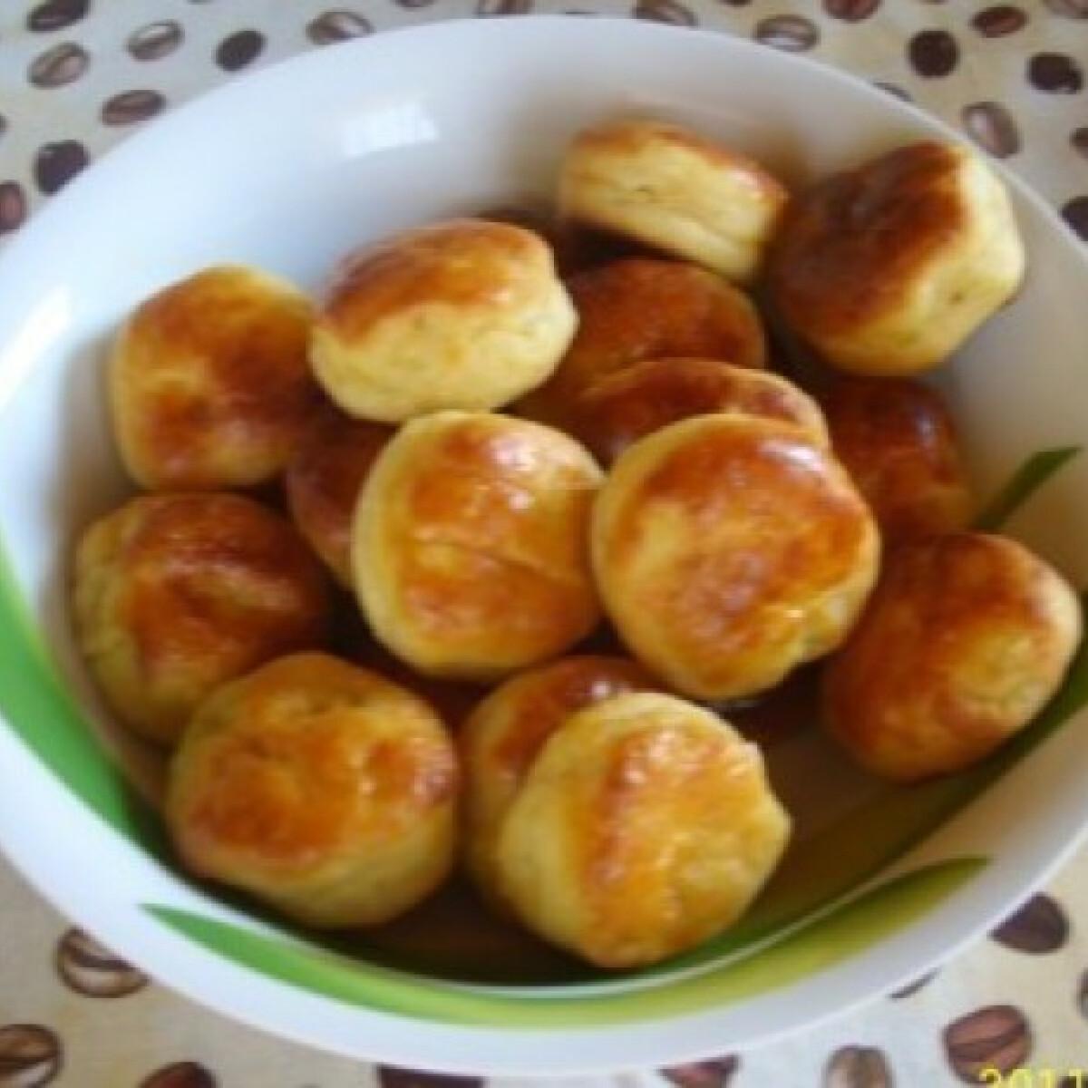 Ezen a képen: Krumplis pogácsa 12. - tejfölös