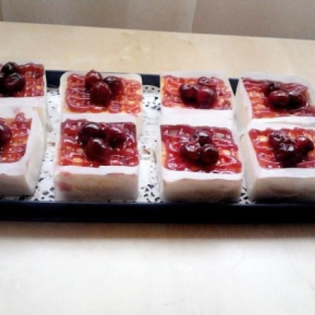 Ezen a képen: Diabetikus meggyes cheesecake