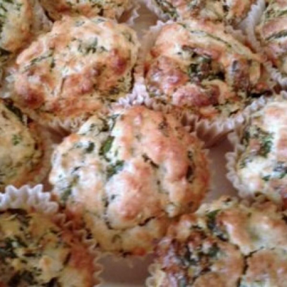 Ezen a képen: Spenótos-medvehagymás muffin