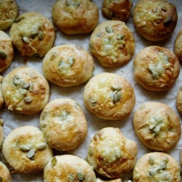 Krumplis-tökmagos pogácsa