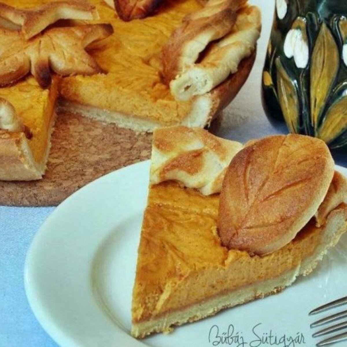 Ezen a képen: Sütőtökös pite Bűbáj Sütigyár konyhájából