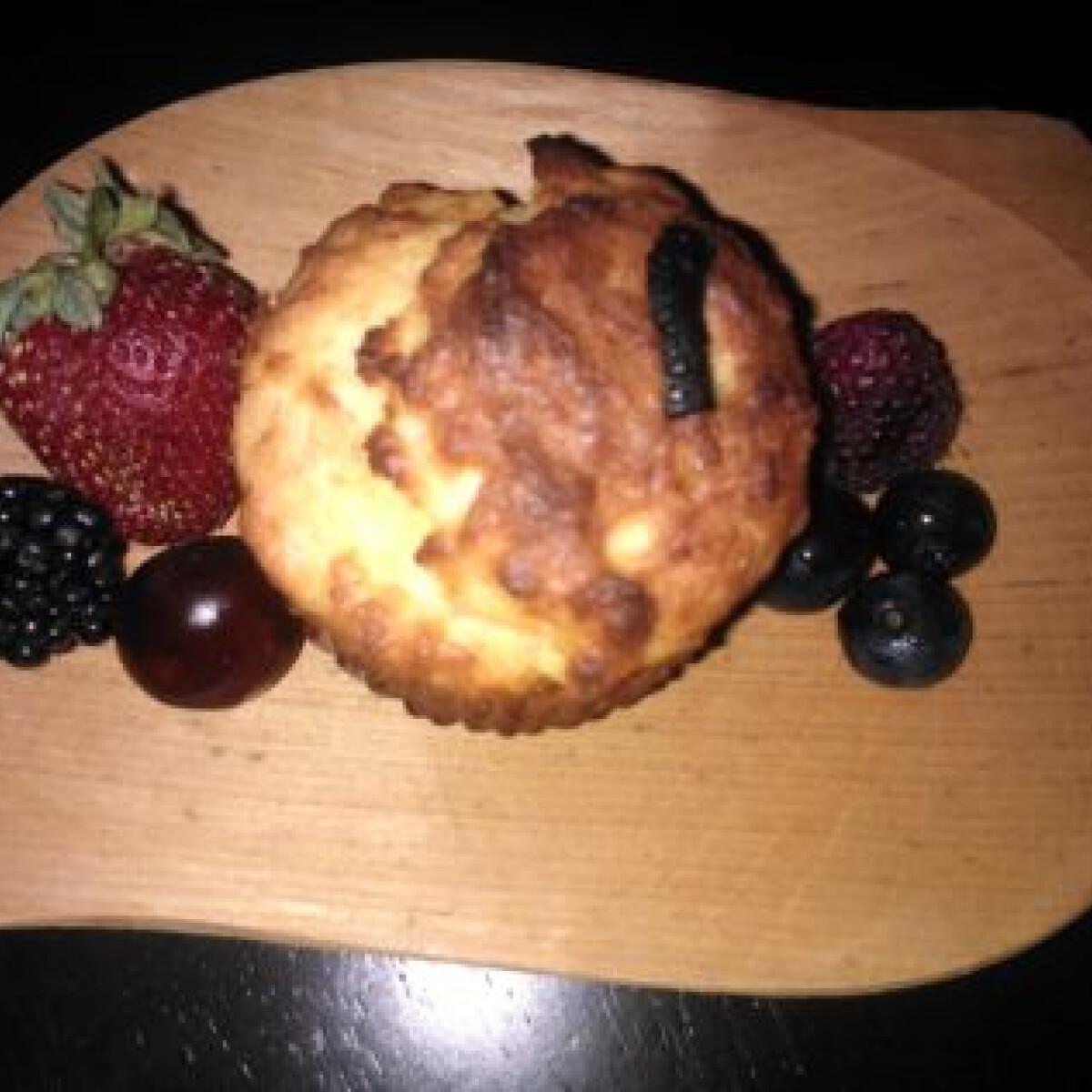 Ezen a képen: Túrós csokidarabos muffin