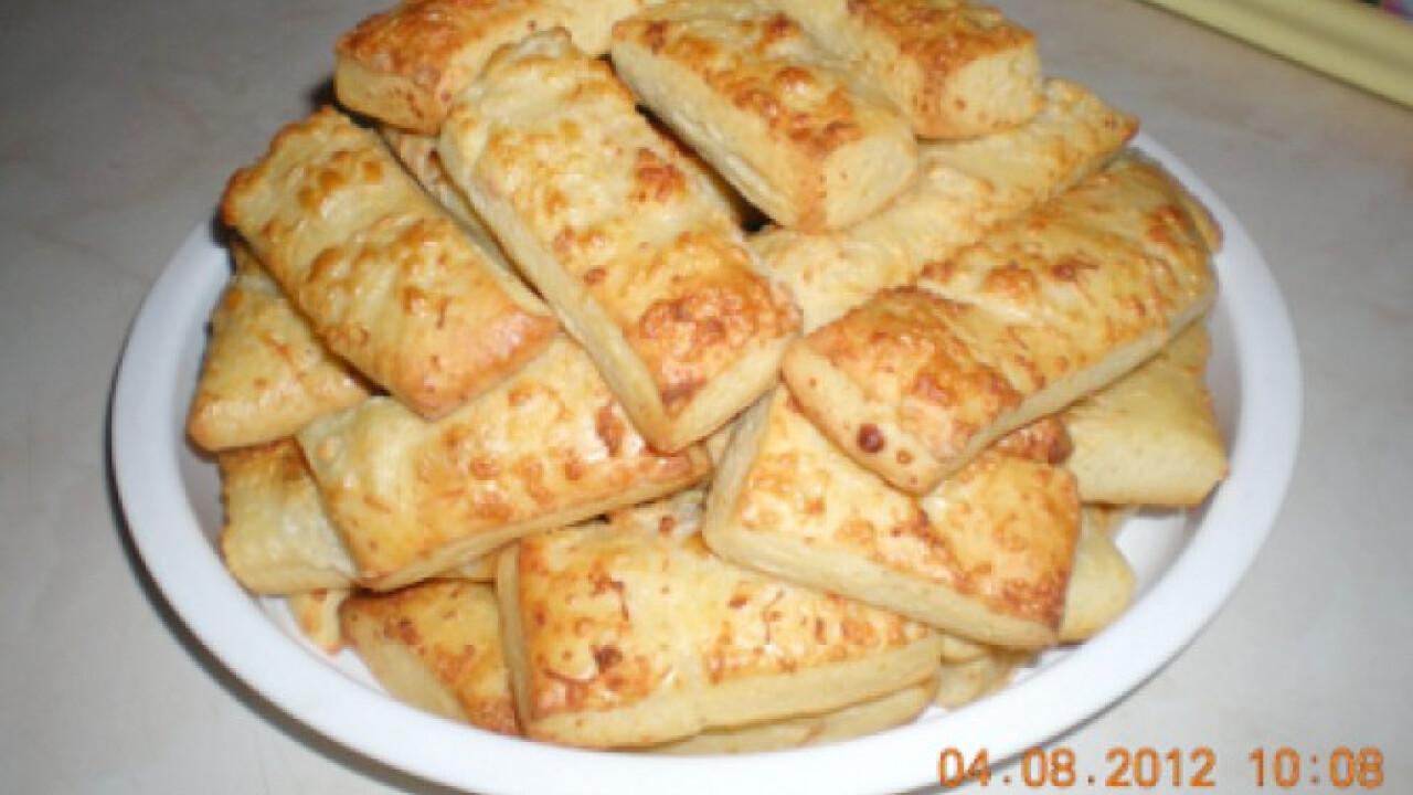 Sajtos rúd-kétféle sajttal