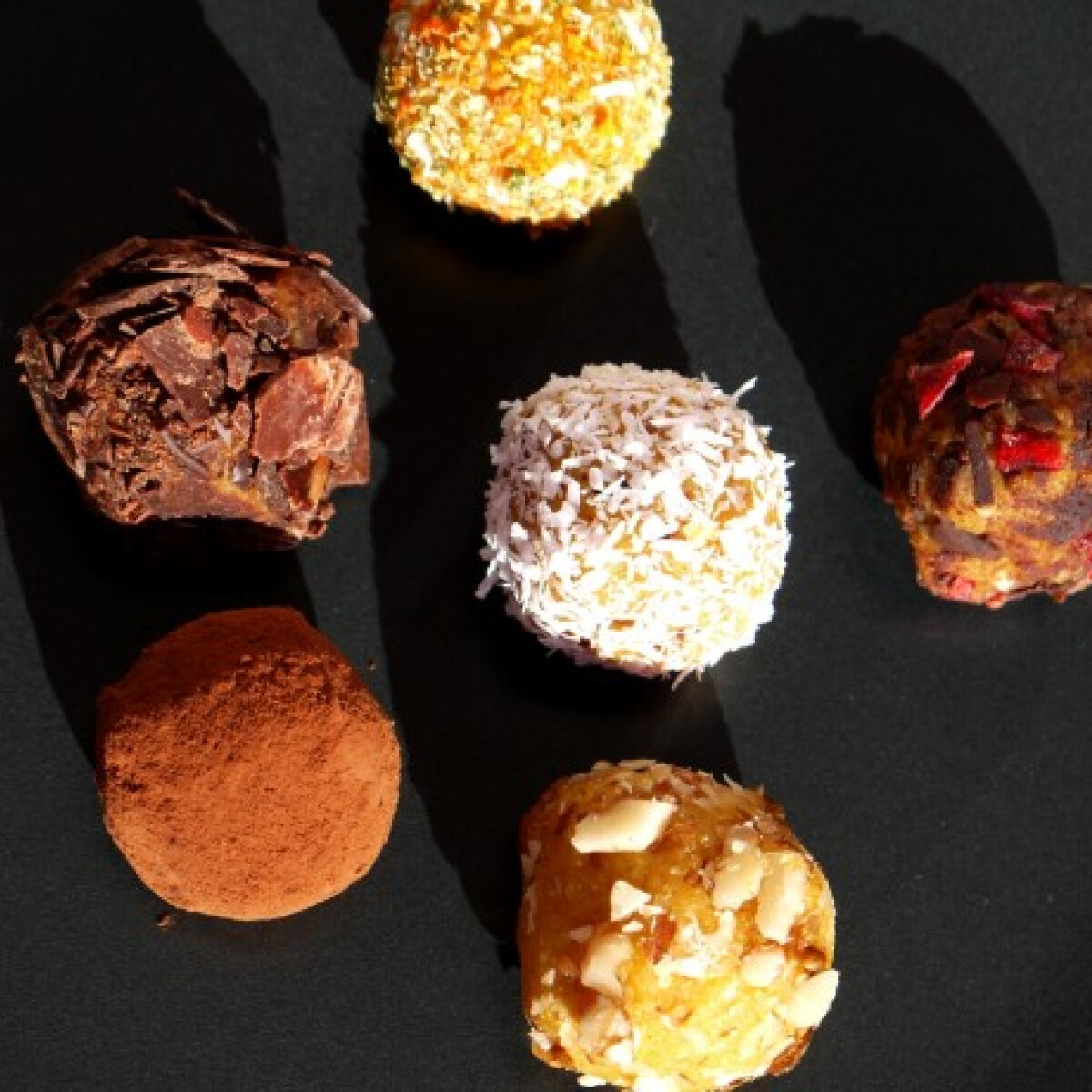 Ezen a képen: Narancsos-sütőtökös kekszgolyó