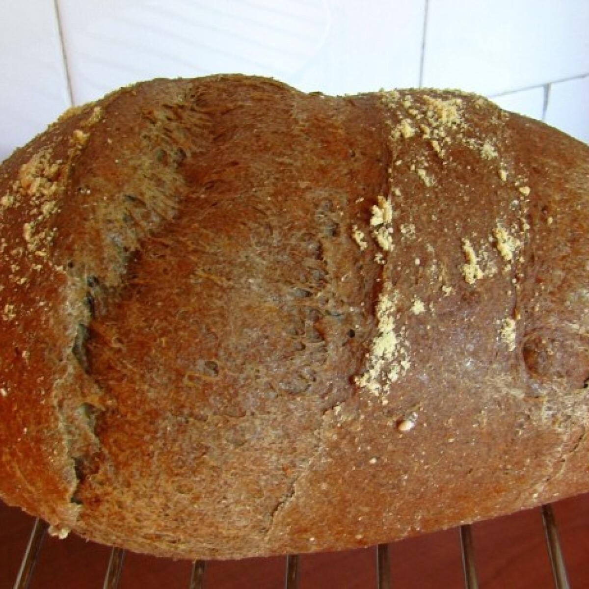 Ezen a képen: Szénhidrátcsökkentett kenyér