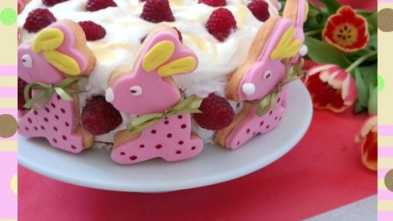 Mogyorós málnás nyuszis torta