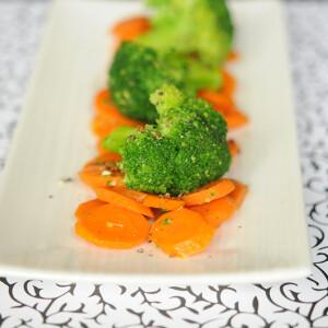 Meleg sárgarépás brokkolisaláta