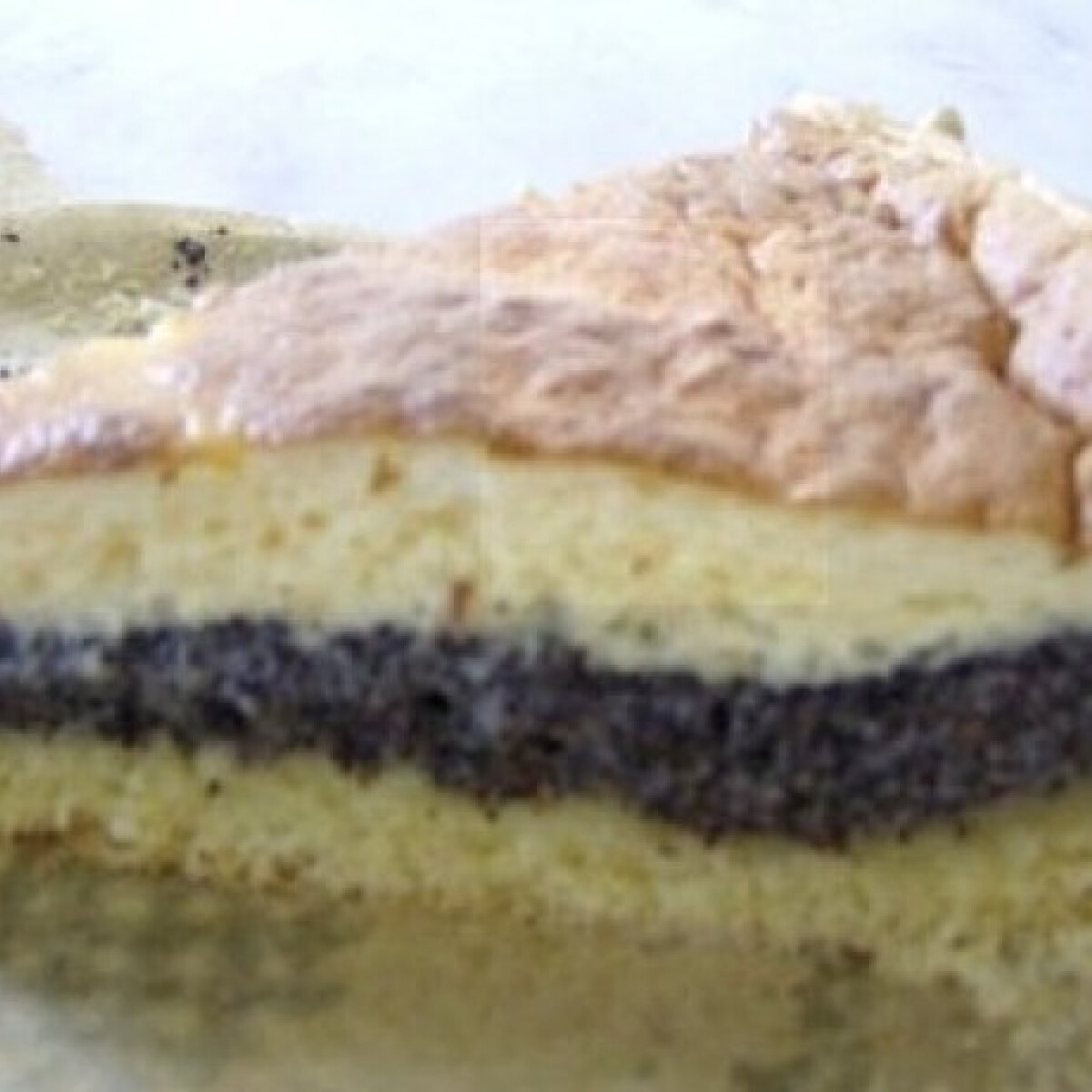 Ezen a képen: Tojásos mákos süteményt