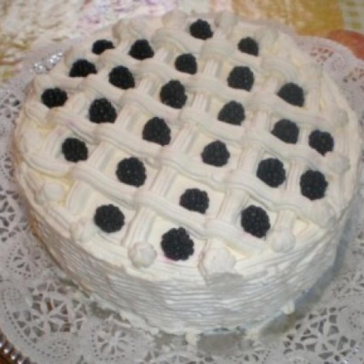 Ezen a képen: Oroszkrém jellegű torta