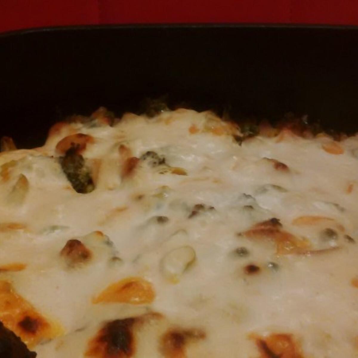 Ezen a képen: Rakott brokkoli Lousha konyhájából