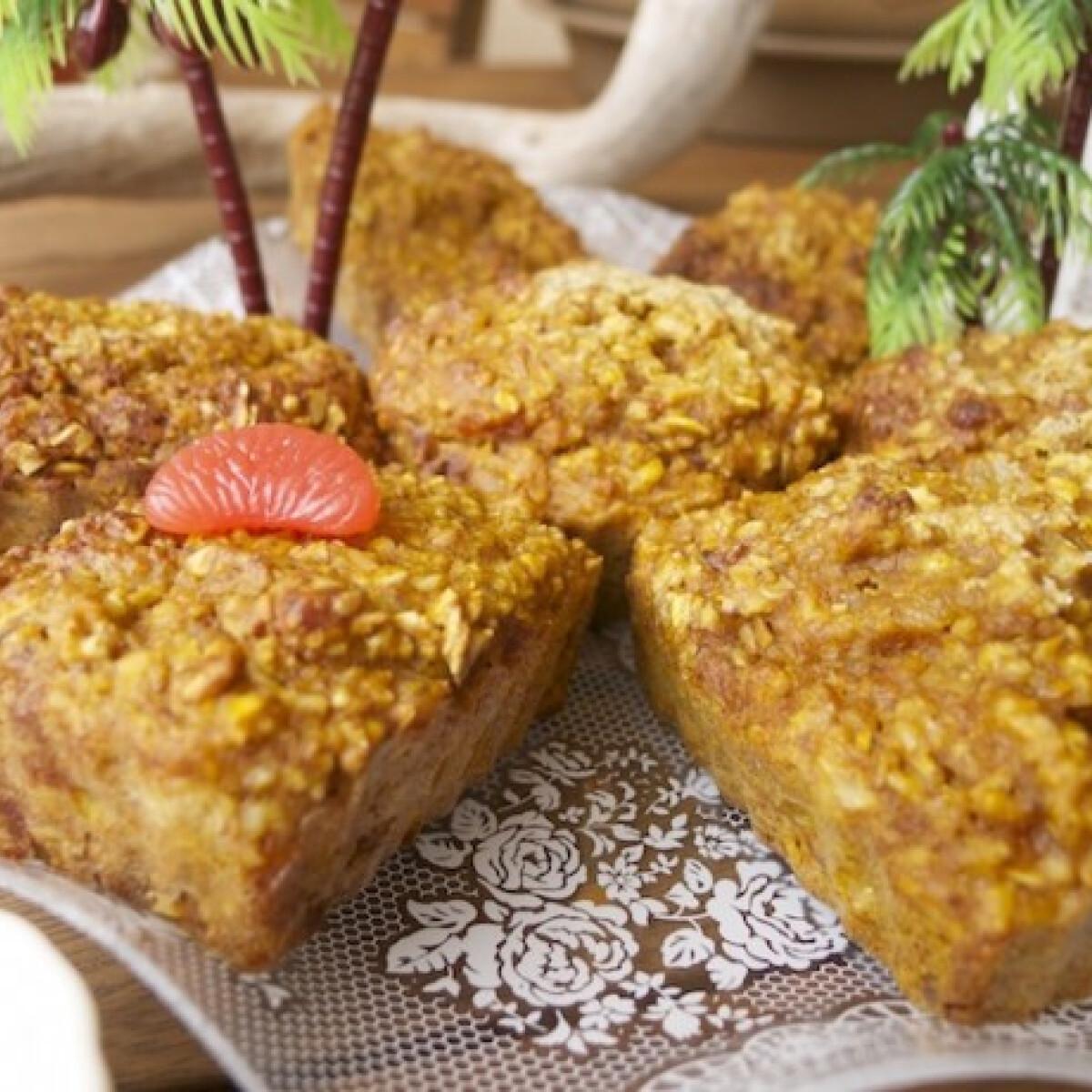 Ezen a képen: Sütőtökös fahéjas kókuszos muffin cukormentesen