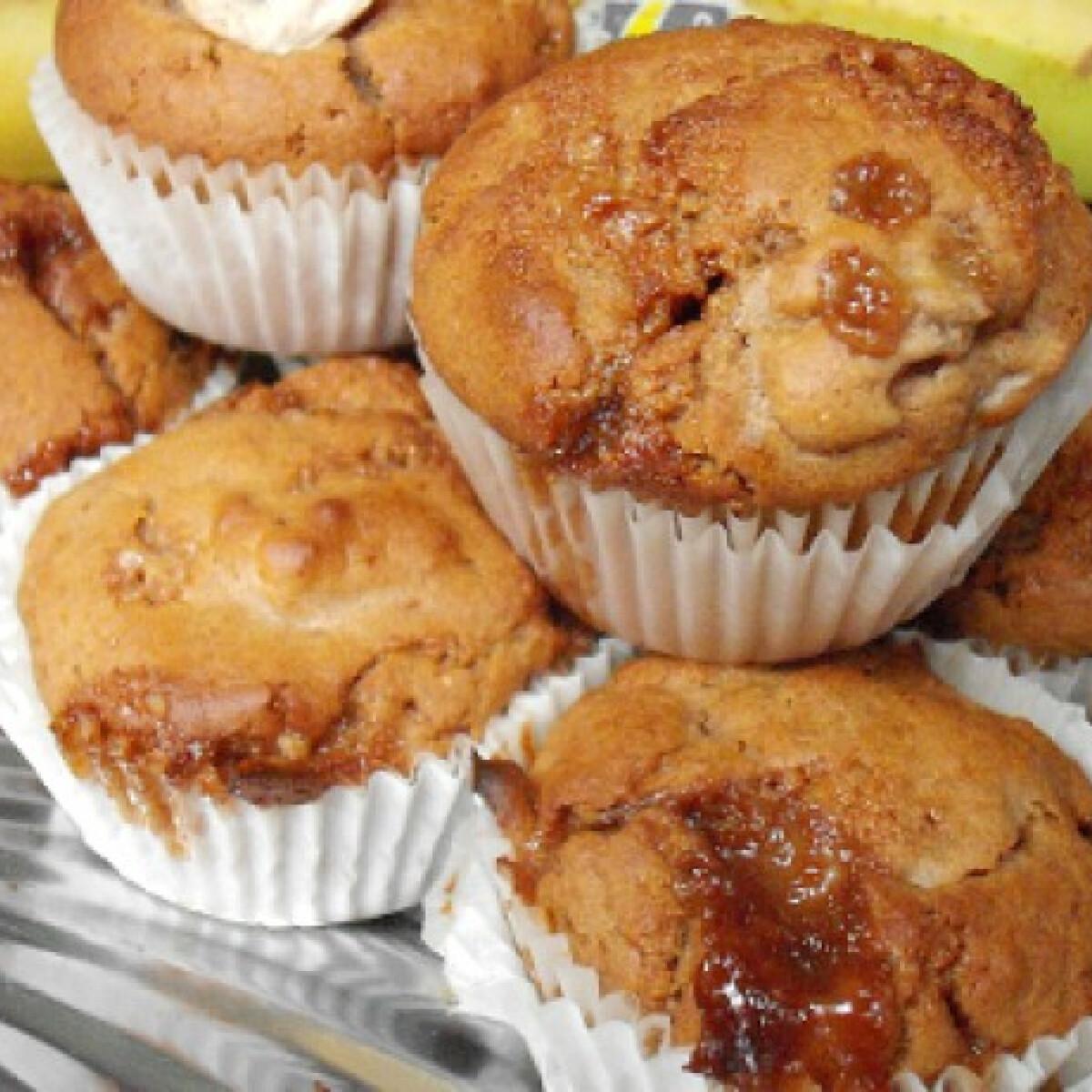 Ezen a képen: Karamellás-banános teljes kiőrlésű muffin