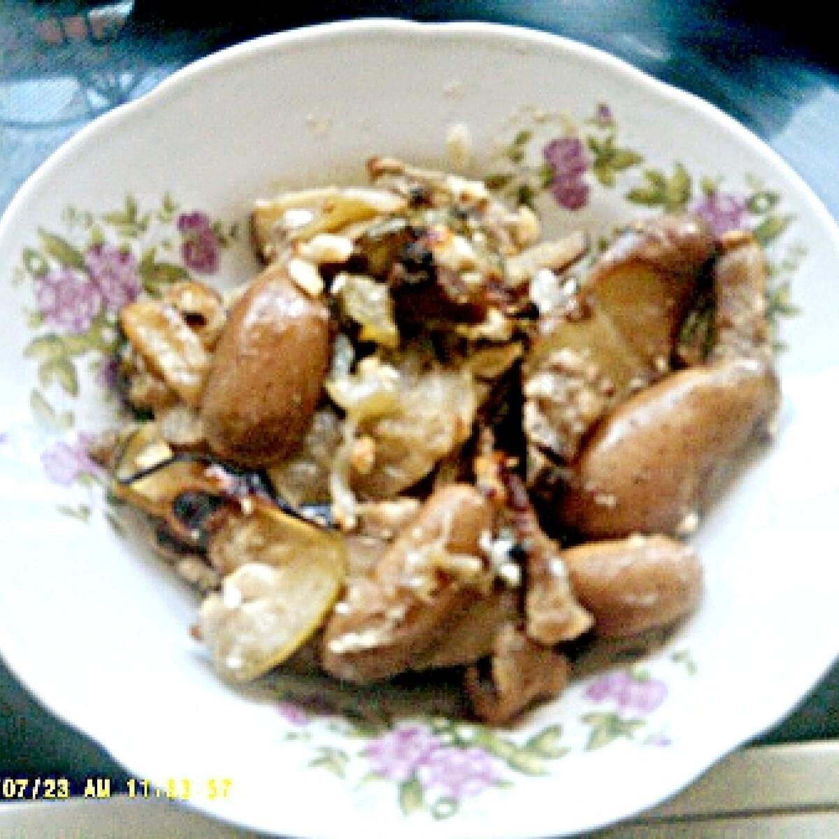 Ezen a képen: Rakott krumpli új köntösben BSzilvitől