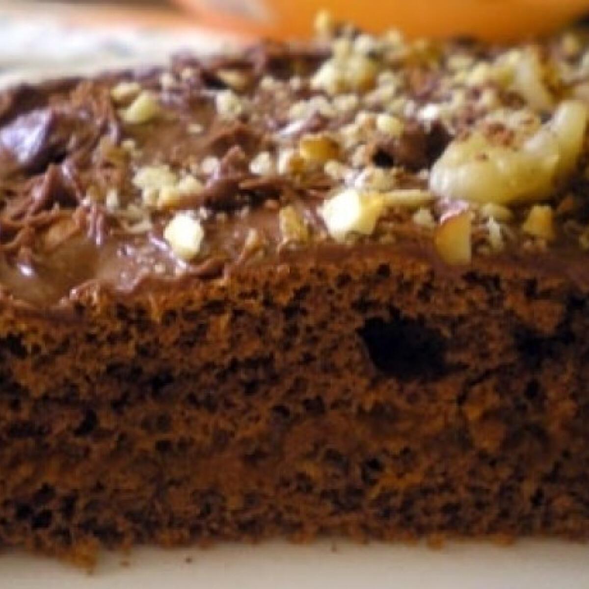 Ezen a képen: Diós-csokis torta