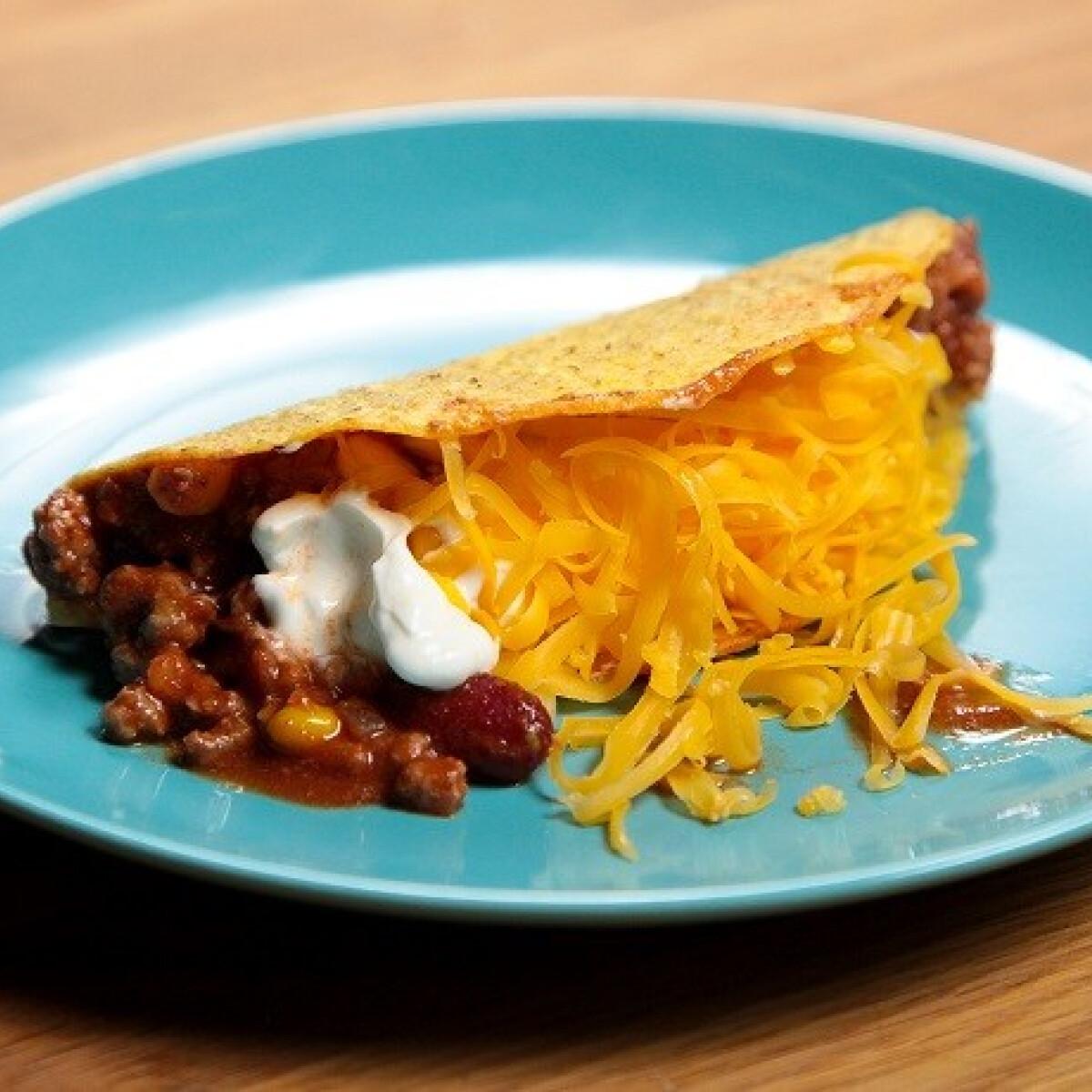 Ezen a képen: Chilis babos taco