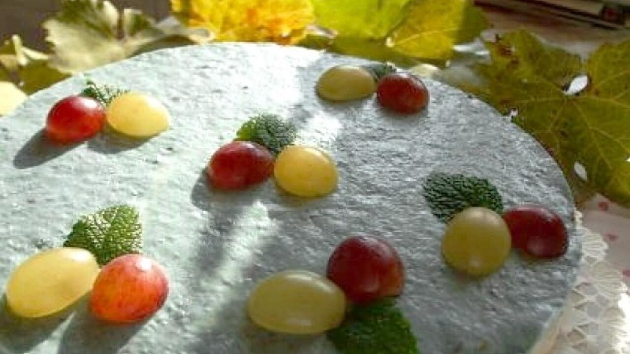 Szőlős krémsajtos torta sütés nélkül