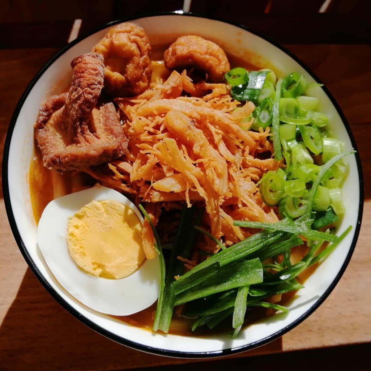 Ezen a képen: Kimchis ramen udon tésztával