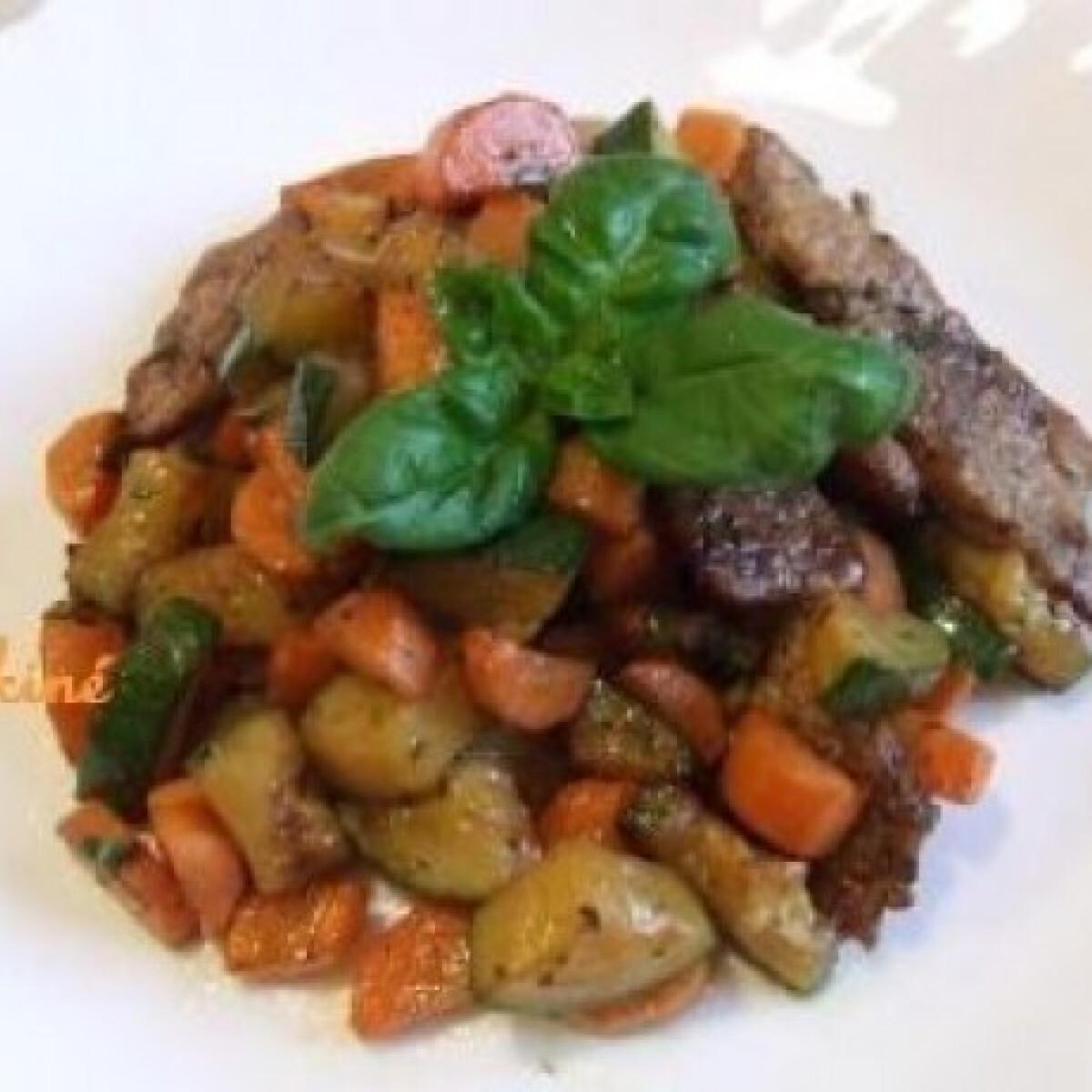 Ezen a képen: Bazsalikomos zöldséges hús