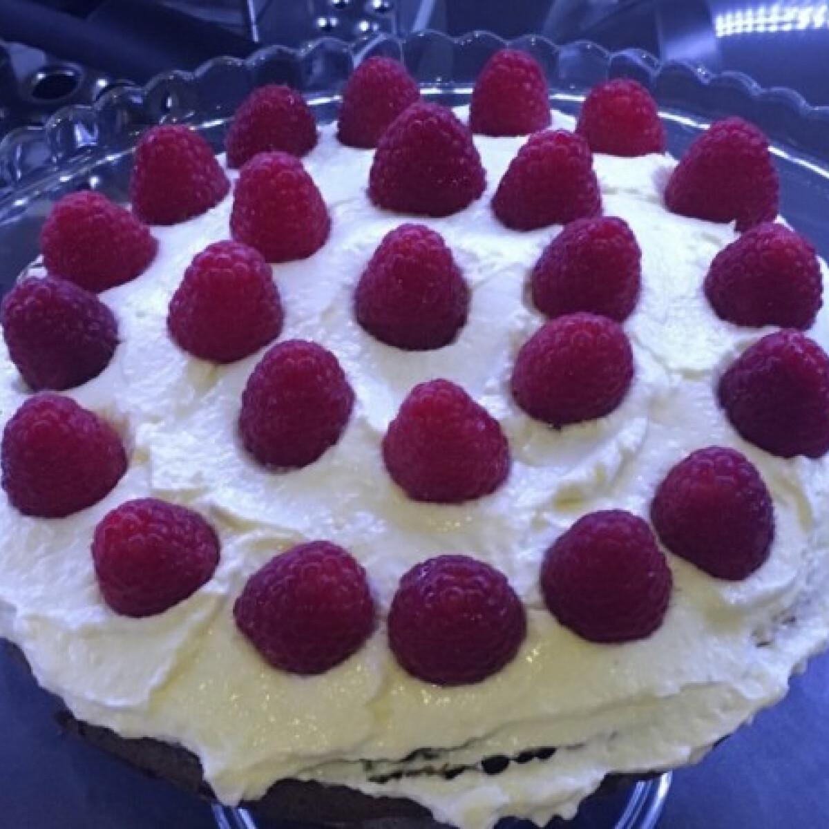 Ezen a képen: Gyors csokitorta Saza konyhájából