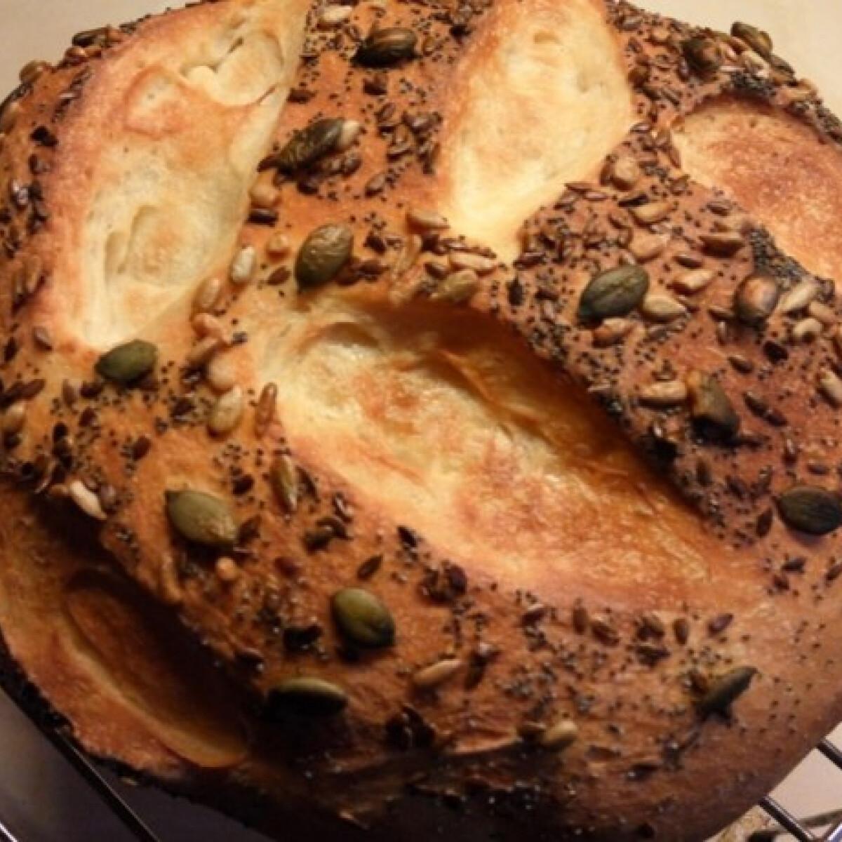 Ezen a képen: Magos fehér kenyér