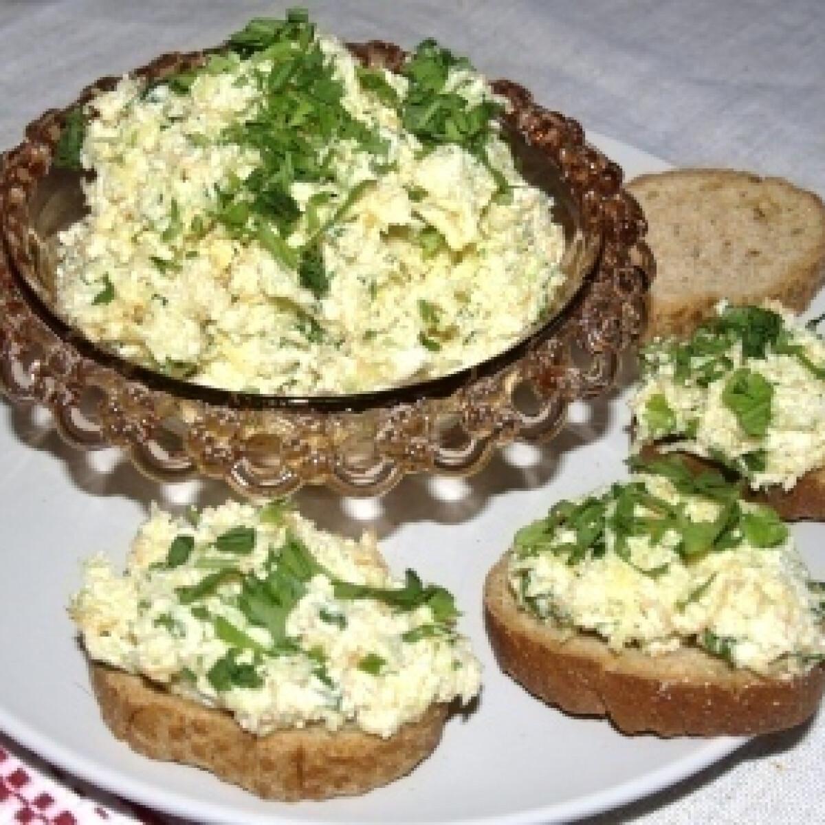 Ezen a képen: Sárgarépás szendvicskrém