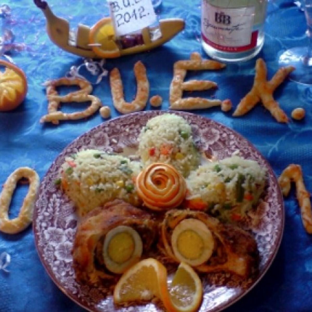 Ezen a képen: Gombával-tojással töltött sertéskaraj