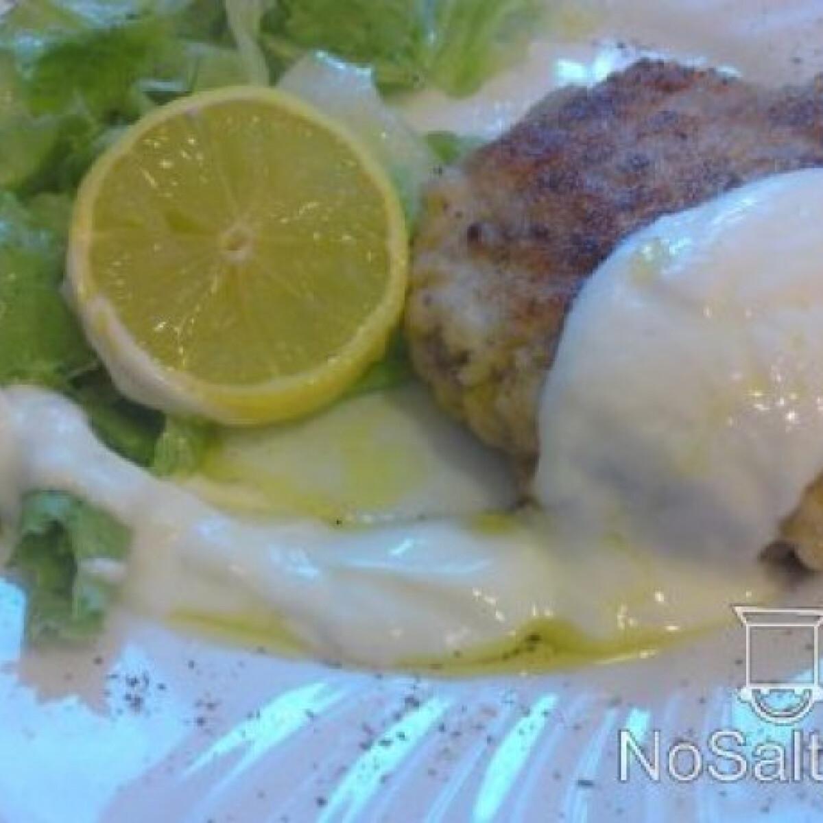 Ezen a képen: Pisztrángfasírt salátával