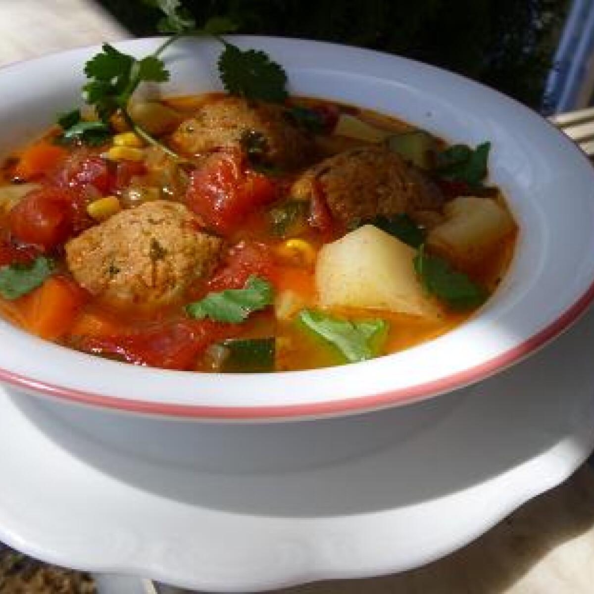Ezen a képen: Albondigas leves