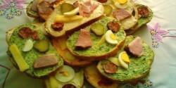 Húsvéti szendvicsek medvehagymás vajjal