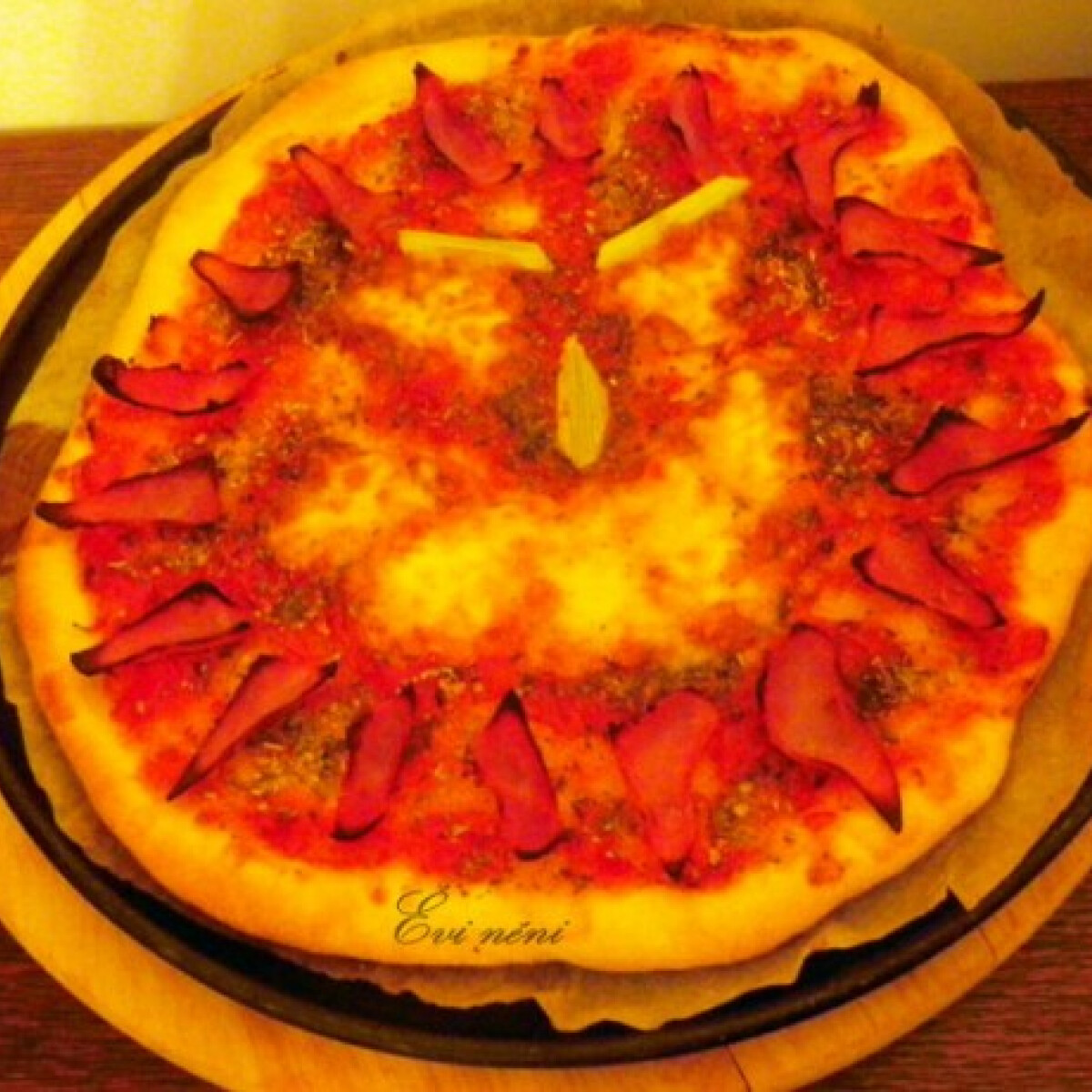 Ezen a képen: Napos pizza