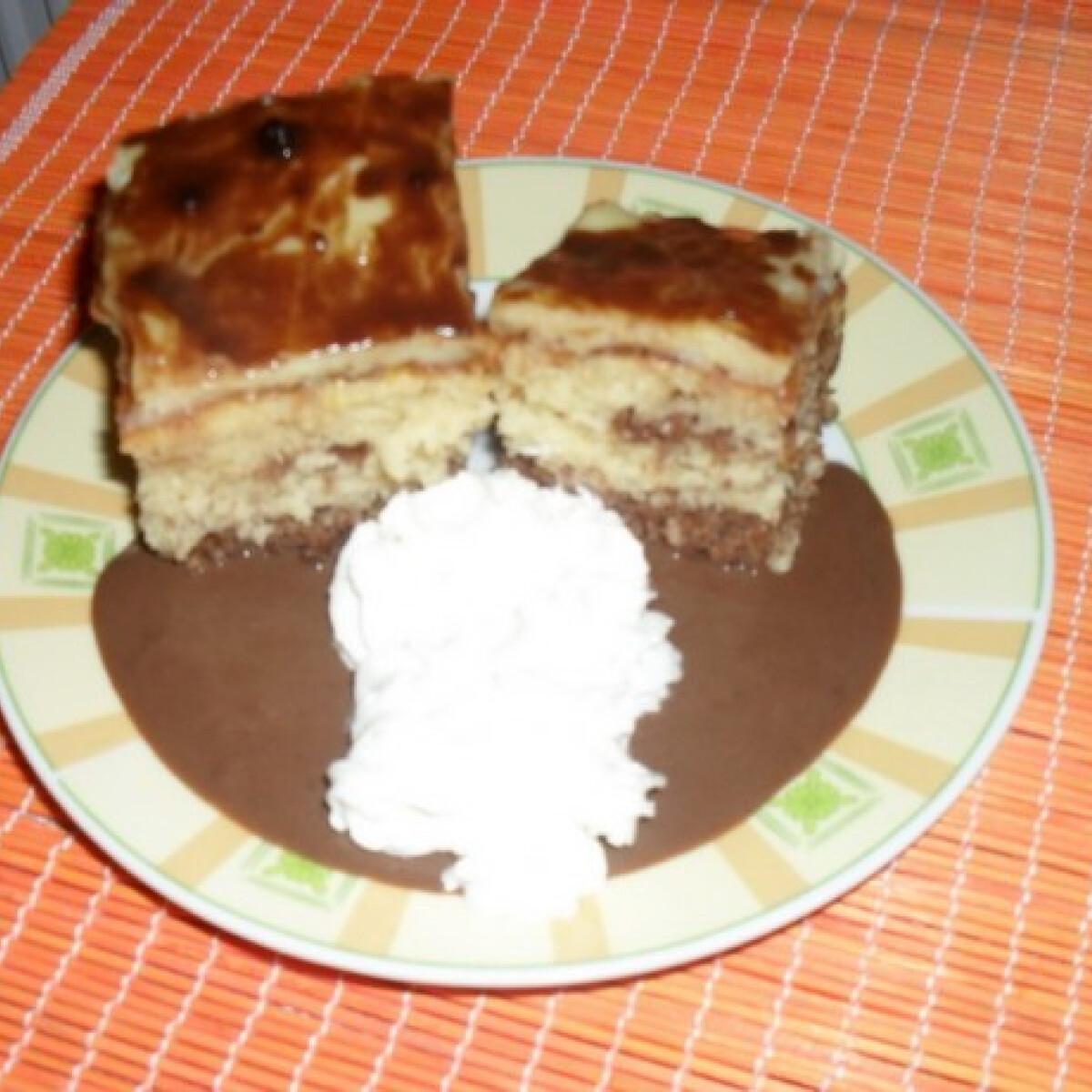 Ezen a képen: Márványos-pudingos süti