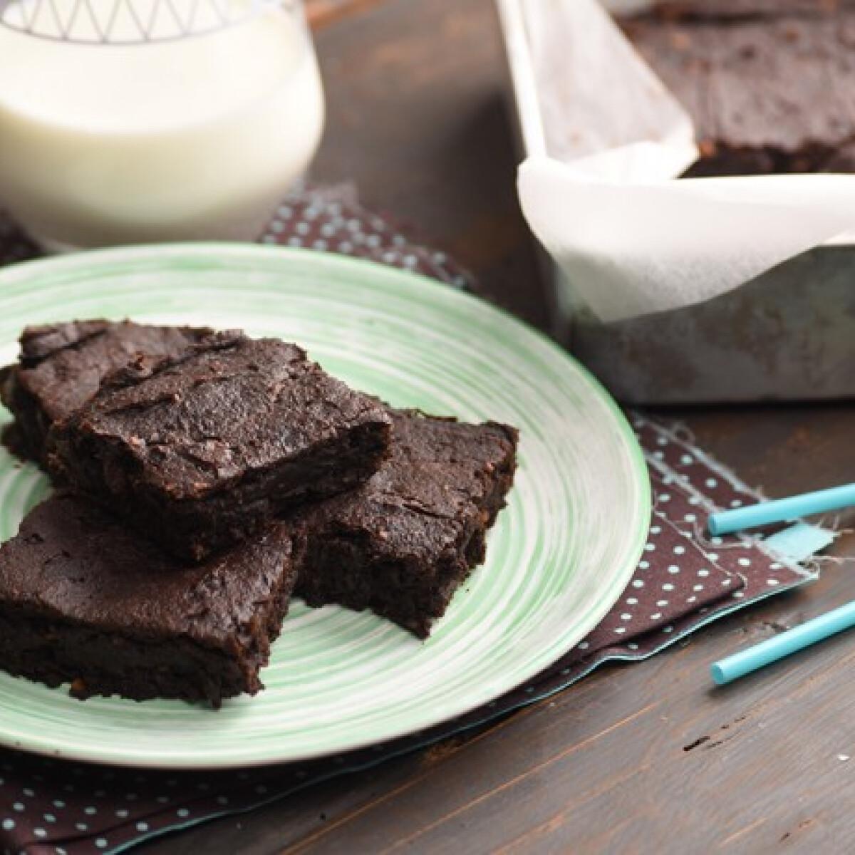 Ezen a képen: Ragacsos édesburgonya-brownie