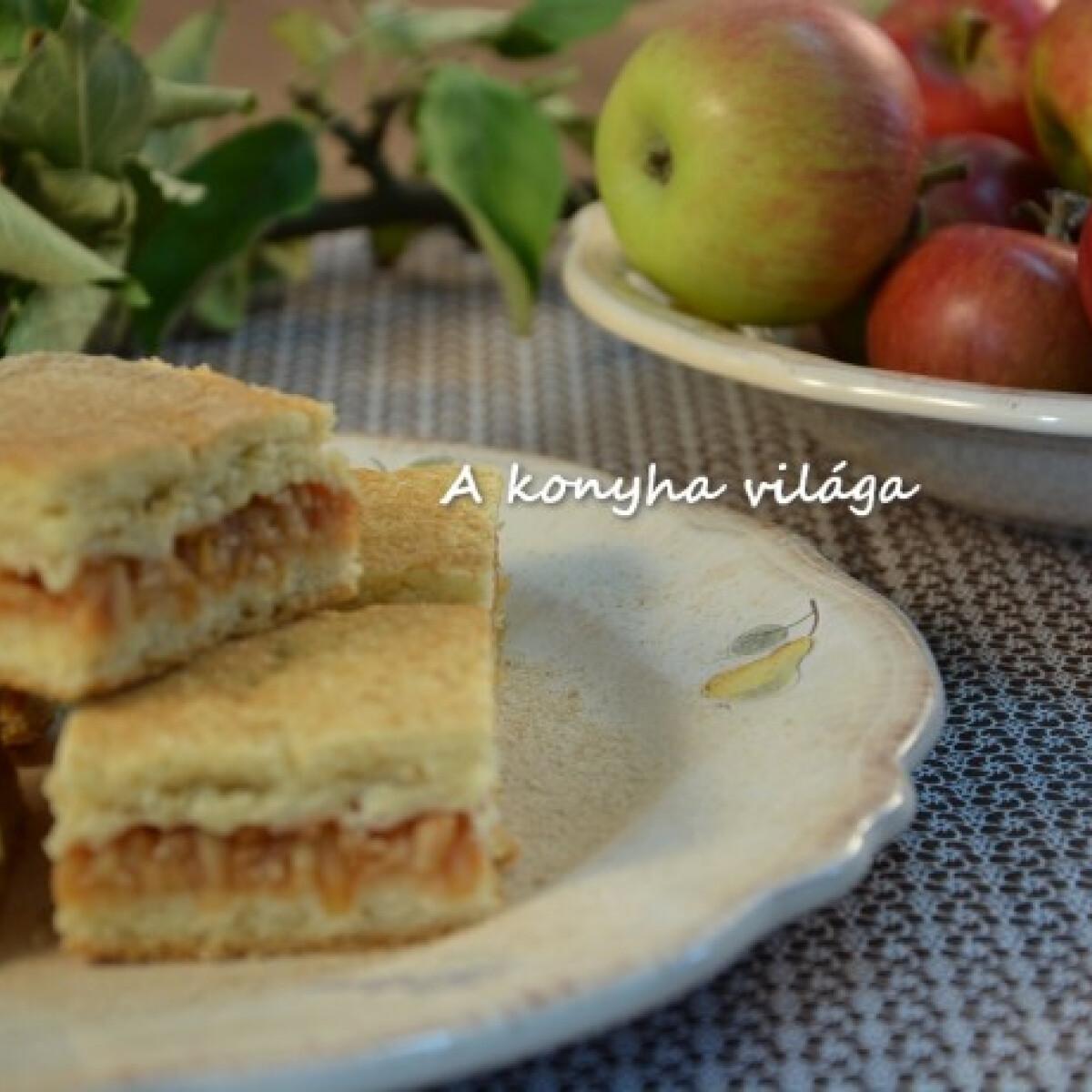 Ezen a képen: Almás lepény ahogy a konyha világa készíti