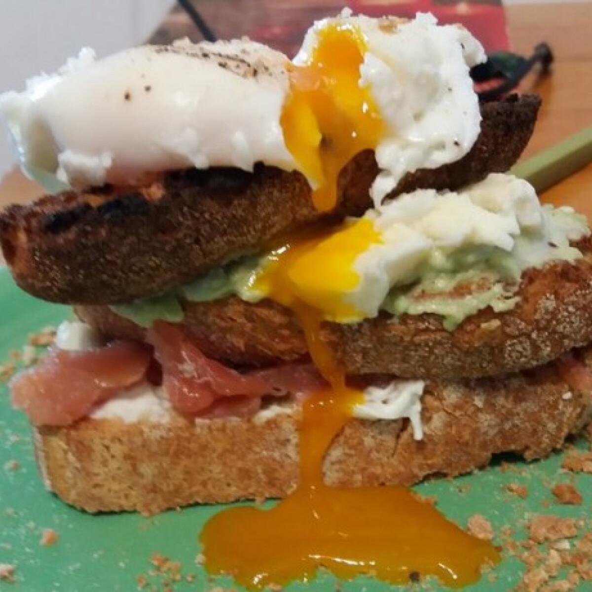 Ezen a képen: Lazacos szendvics séfike konyhájából
