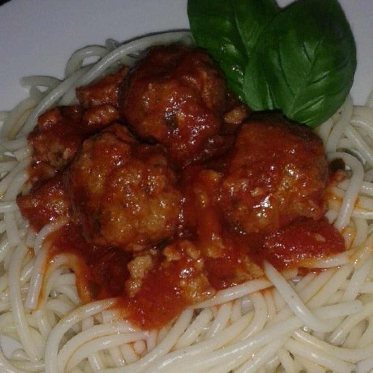 Ezen a képen: Bolognai Zsaney konyhájából