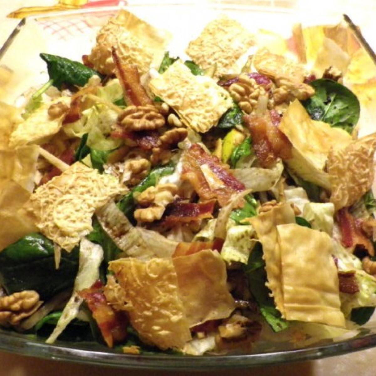 Ezen a képen: Roppanós saláta