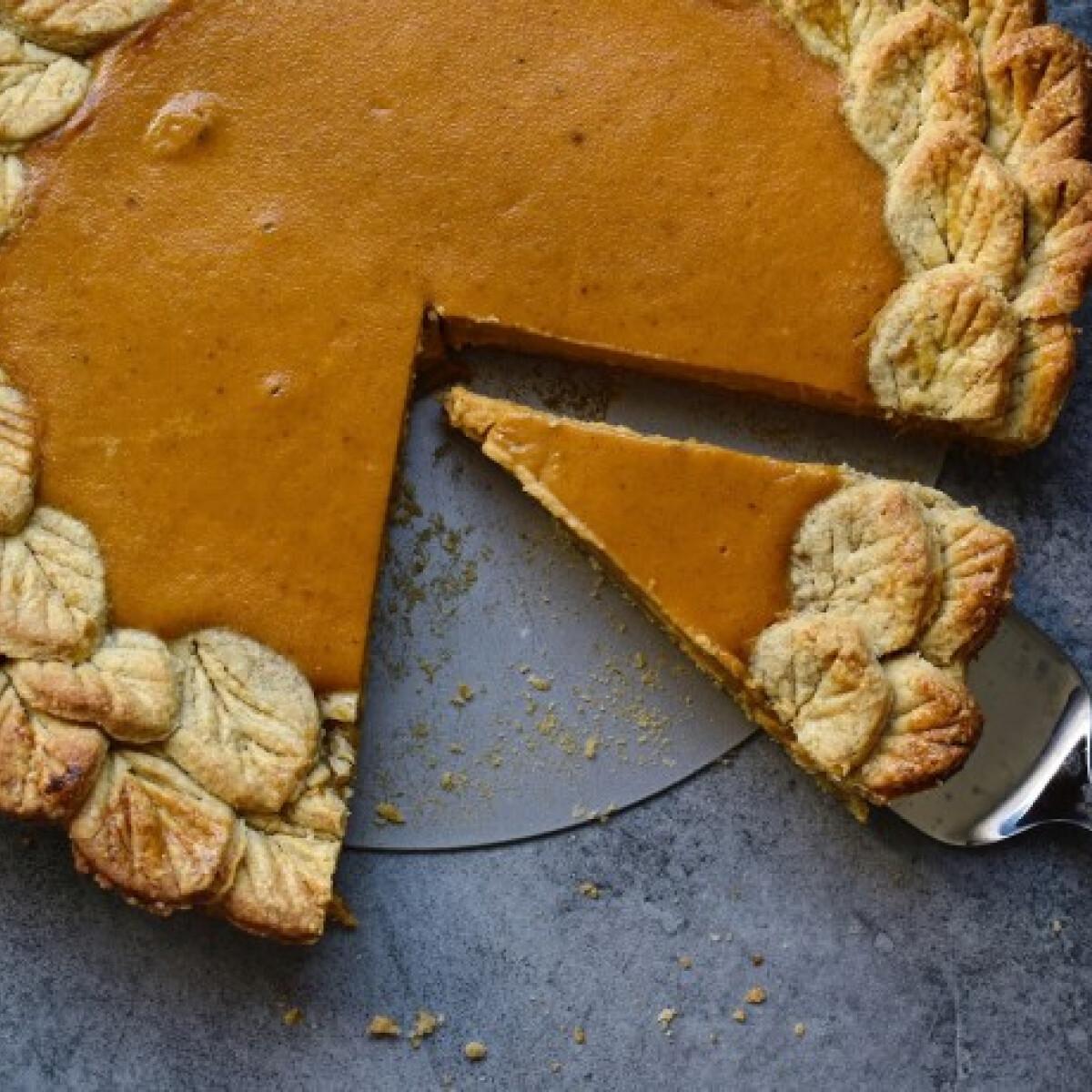 Ezen a képen: Őszi tökös pite