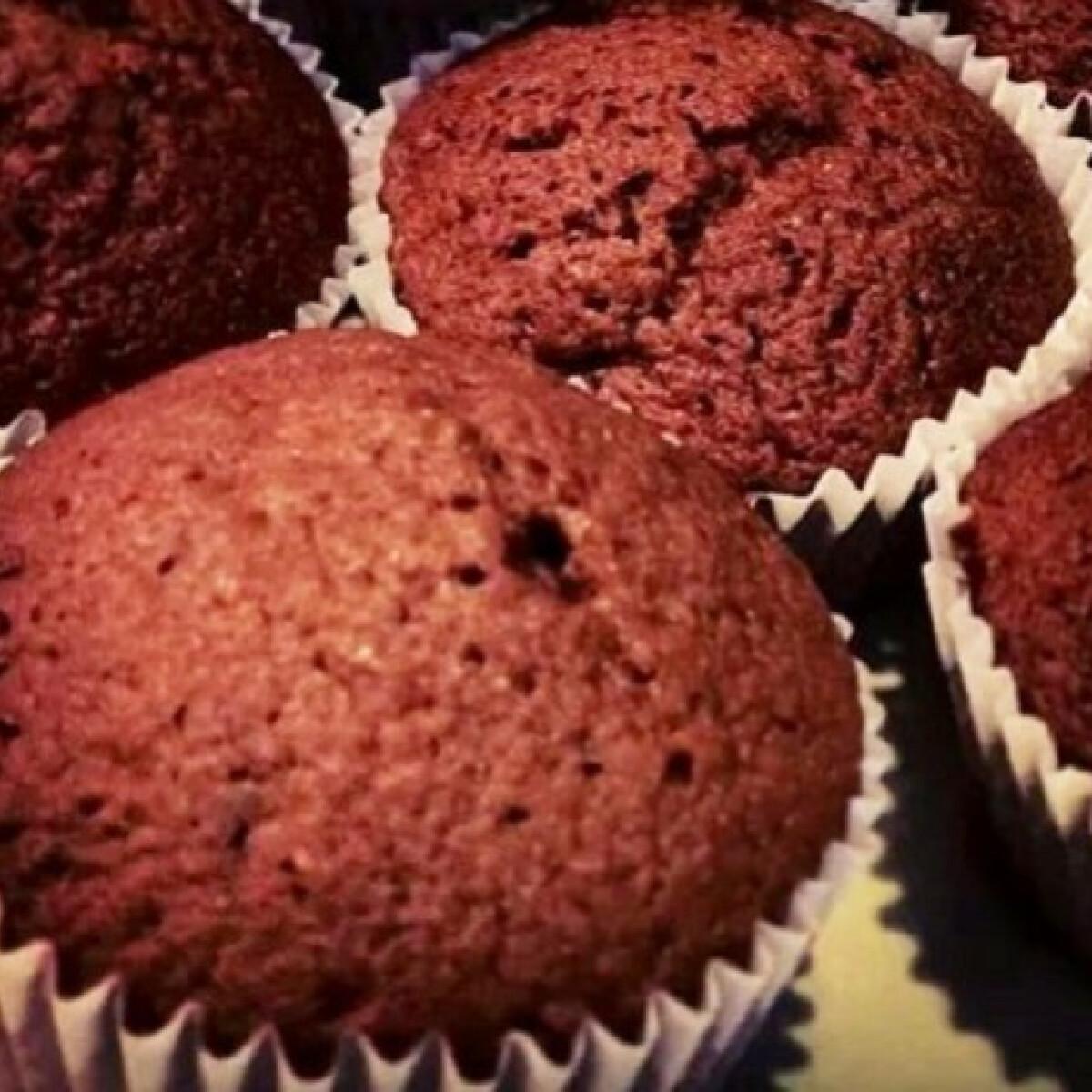Ezen a képen: Csupacsokis muffin Takibácsitól