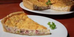 Sonkás-újhagymás pite