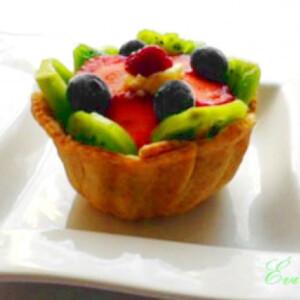 Joghurtos-pudingos gyümölcskosár